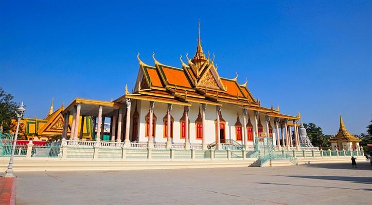 cho thuê xe 45 chỗ đi phnom penh