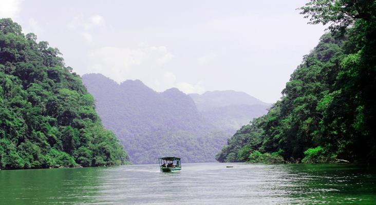 Hồ Ba Bể DU LỊCH THÁC BẢN GIỐC HỒ BA BỂ HANG PÁC BÓ ĐÃ 2 THÁNG 9