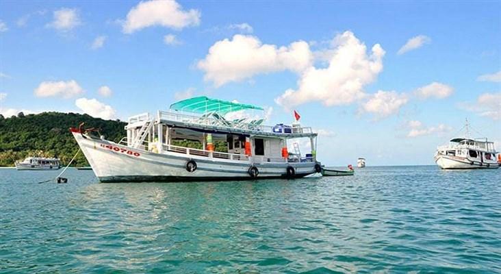 Tàu Câu Cá Tại Phú Quốc